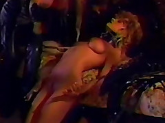 blonde store pupper trekant fetish