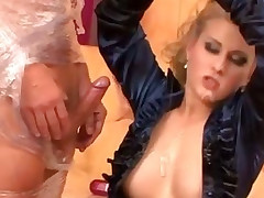 There can't be too much oil for this hoe while she rides and sucks cock