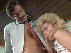 sædsprut blowjob blonde oral