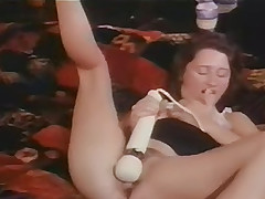 Sleaze black haired has A Sensuous cumming