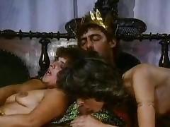mamada trío sexual vintage dos mujeres un hombre