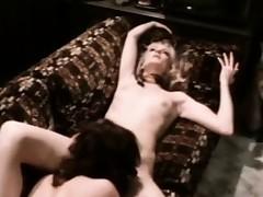 lesbianas lamidas morenas rubias