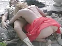 utendørs blowjob blonde trekant